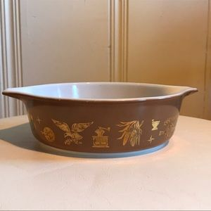 Vintage Pyrex Brown Early Americana Casserole Dish